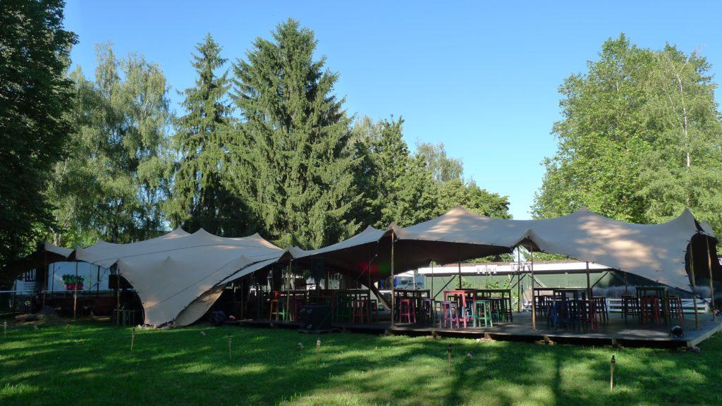 Ein Festzelt für anspruchsvolle Gastgeber und Gäste. Tentickle!